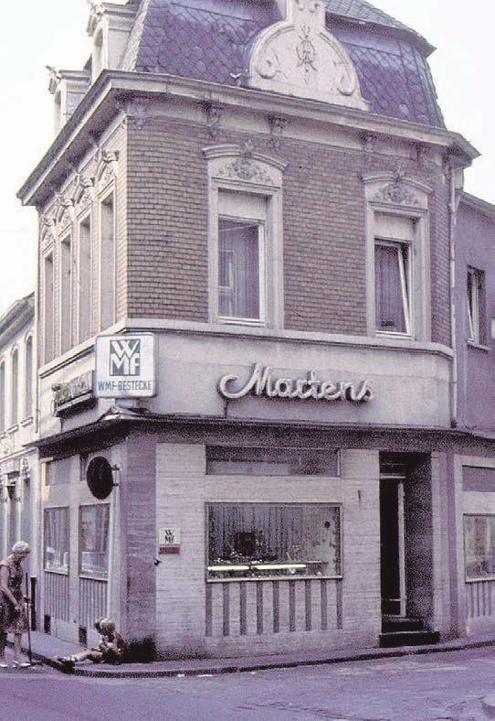 Ein stilvolles Foto aus dem früheren Kempen: das Eckhaus am Studentenacker.
