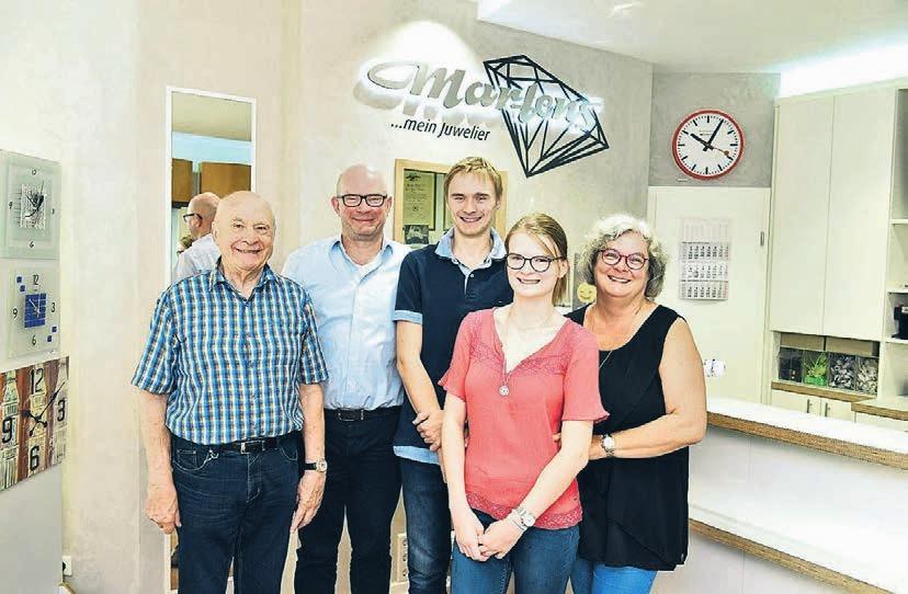 Die Familie liebt das Uhrmacherhandwerk seit Generationen: Karlhans, Joachim, Kai, Nele und Petra Martens.