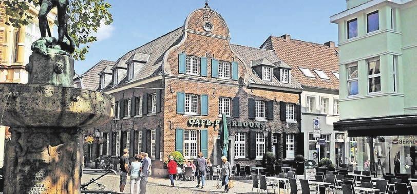 Seit 1968 befindet sich das Café Peerbooms in dem stattlichen Eckhaus am Markt.